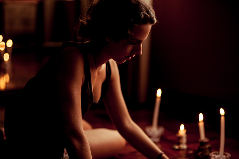 girl with candles and light